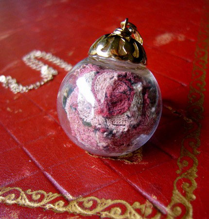 RELIC - Petit Point Rose Necklace
