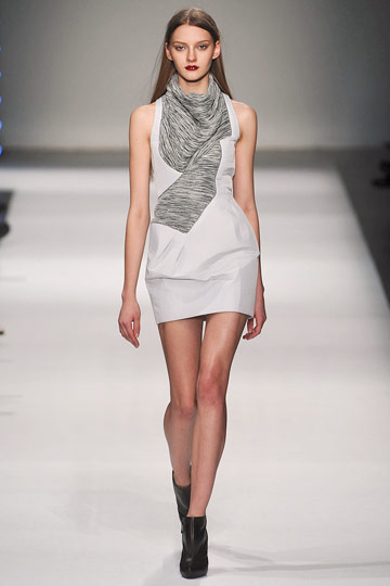 Hussein Chalayan Ready to Wear - Fall 2009 - 2010