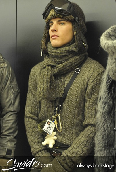 D&G Mens Fall 2010 Backstage